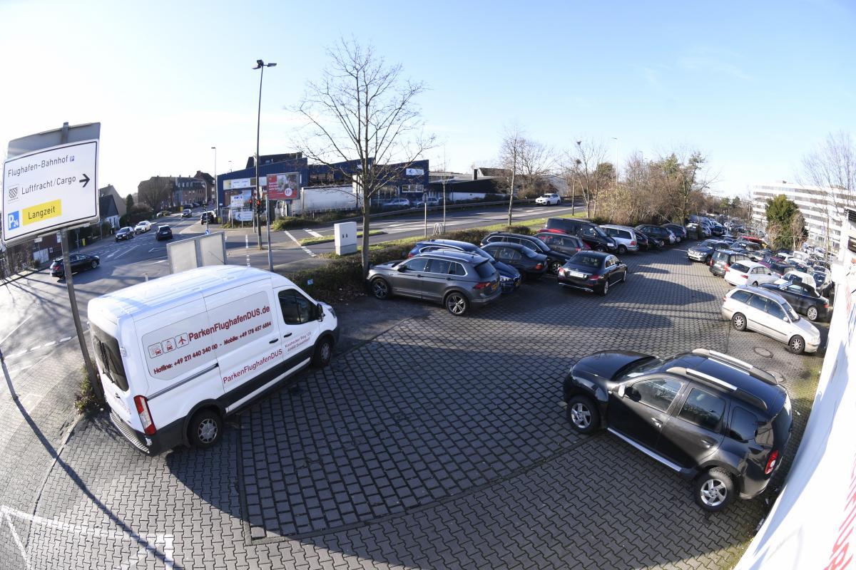 Außenparkplatz Parkenflughafendus
