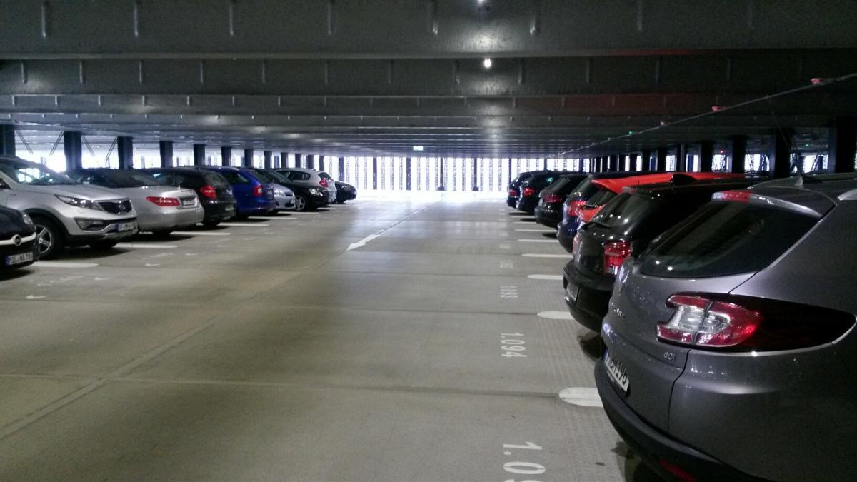Valet-Parking Fly & Drive Parkhausservice