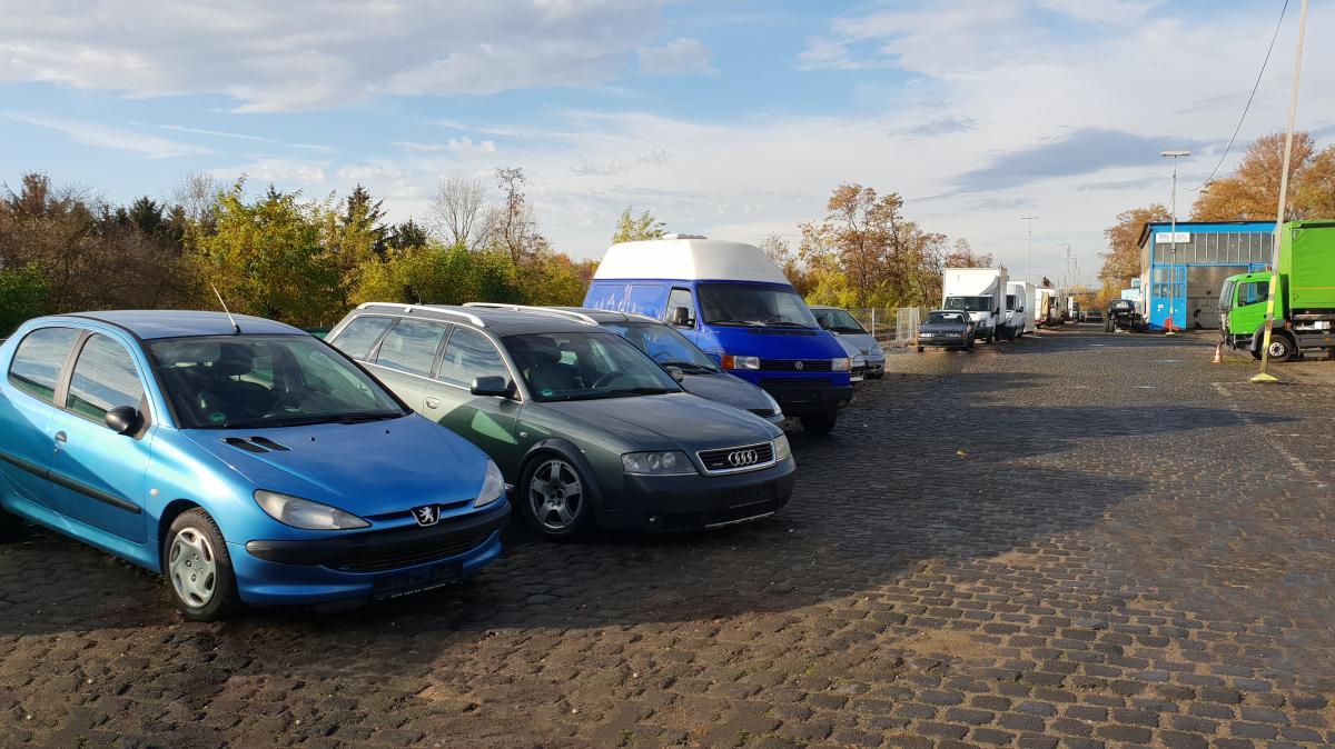 Außenparkplatz Parking Airea - Shuttle Service