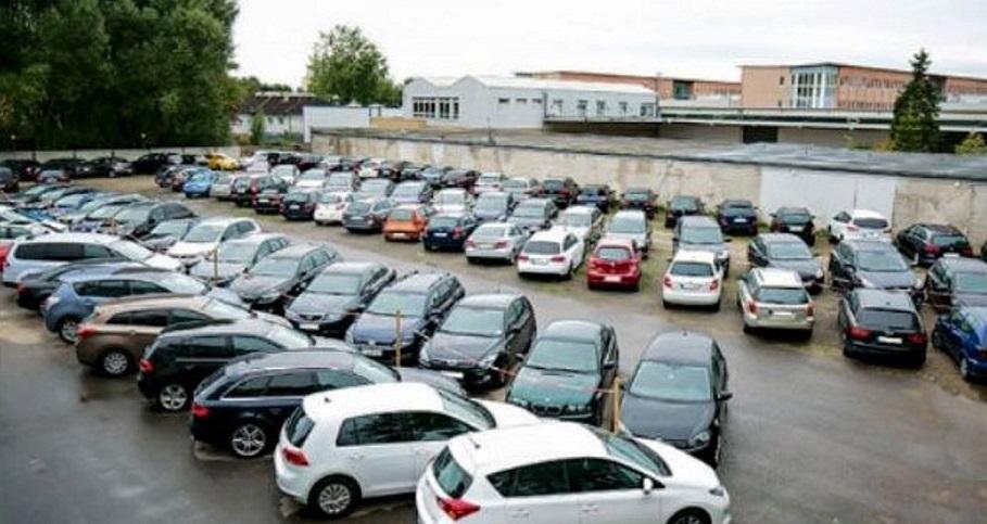 Außenparkplatz Parkhalle-Langenhagen