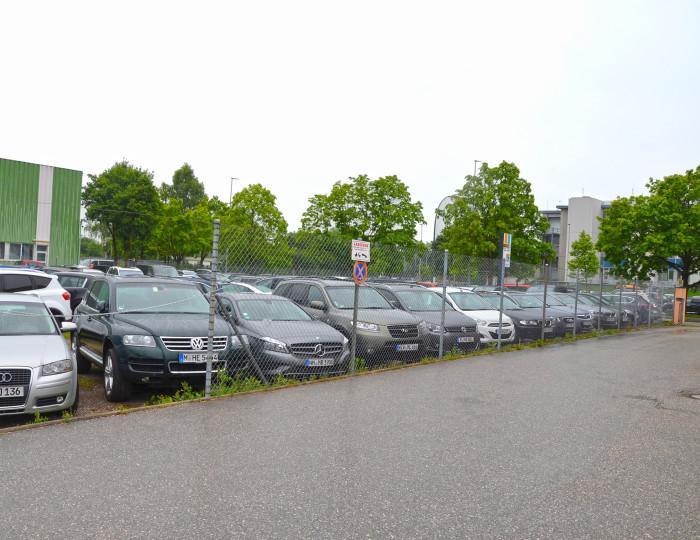 Außenparkplatz Park Fly & Repair